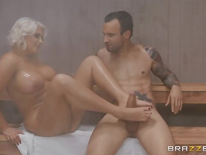 Kristina Shannon And Alex Legend - Hot Curvy Babe Has Fun Respecting Alex Le