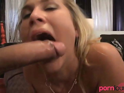 Curvy blonde with big breast gets cum in mouth