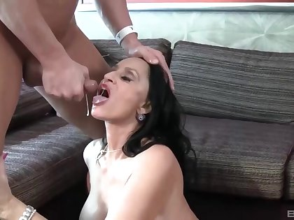 Cum in mouth after hardcore fucking with curvy cougar Rita Daniels