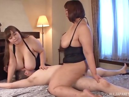 Japanese BBW porn in crazy hotel room threesome