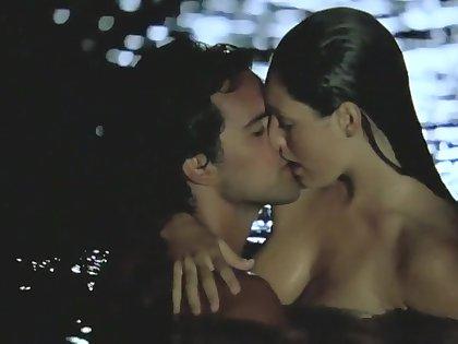 Survival Island (2005) Kelly Brook
