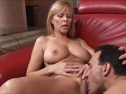 Peaches babe enjoys facial cumshot after sucking dick added to banging