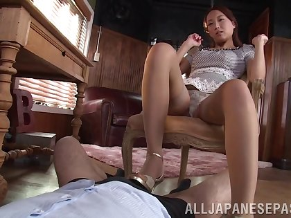 Japanese feet and her sultry mouth feel sorry his cock cum