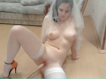 Russian webcam sculpture uses her chair painless her sex toy