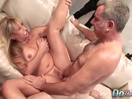 Olivia Parrish cuckold porn video
