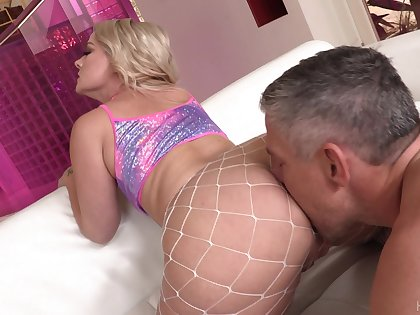 Super duper big racked blonde cowgirl Lisey Sweet enjoys hard anal fuck