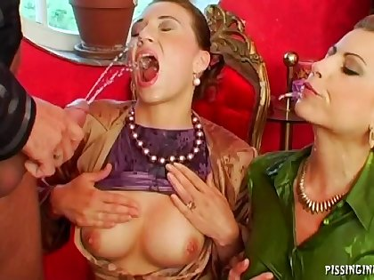 FFM triple nigh two glamour chicks who love to mountain dew piss