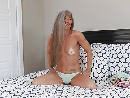 Video be fitting of a mature slut Leilani Lei having some dirty fun at home