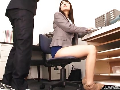 Beautiful Japanese girl Shiina Ririko enjoys sucking a dick